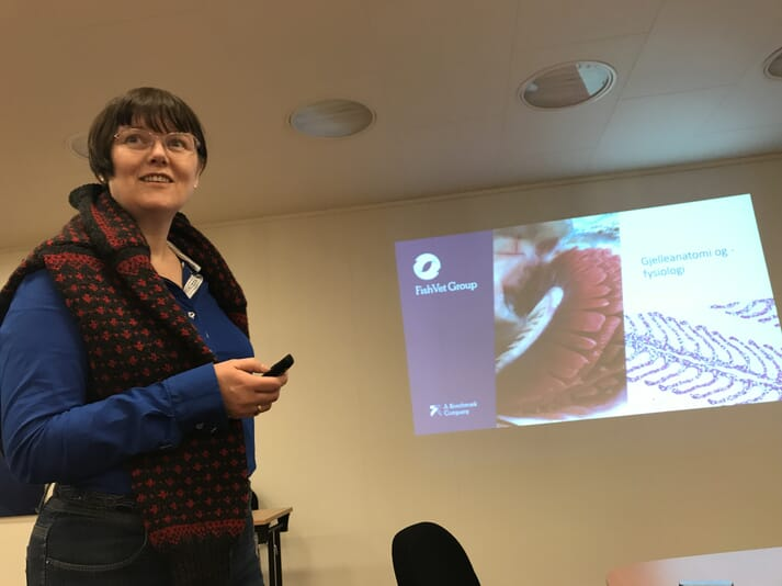 Hege Hellberg, from Fish Vet Group Norge, presenting at a gill-health/plankton course in Norway