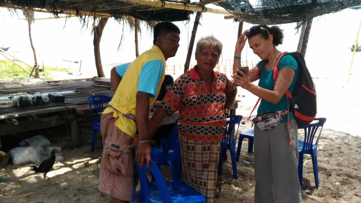 Dr Sara Barrento with small-scale fishermen at Sating Phra, Thailand