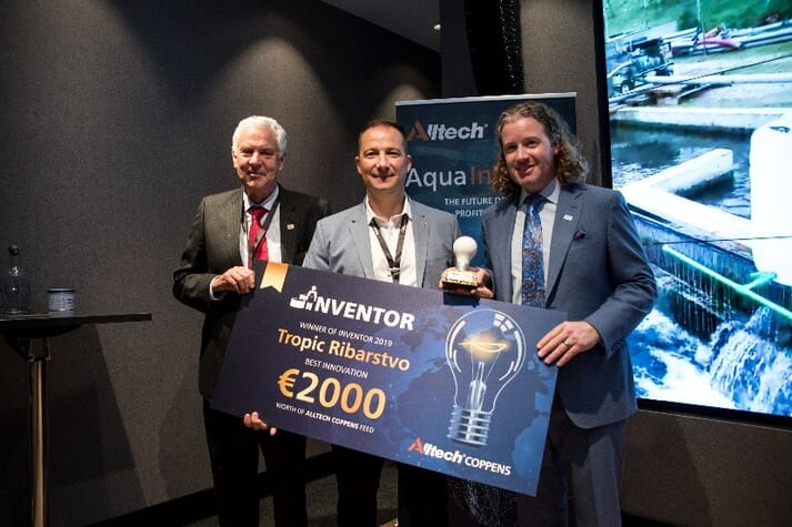 Winner of the Alltech Coppens inaugural Inventor program, Zoran Tepic, managing director of Tropic Ribarstvo, is pictured receiving his award during global aqua conference, Aqua InDepth from John Sweetman, international projects manager at Alltech; and president and CEO of Alltech, Dr Mark Lyons