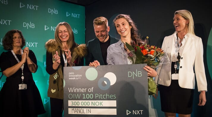 Manolin's Natalie Brennan collects the NOK 300,000 award