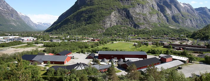 The scenic town of Sunndalsøra is a hub for aquaculture R&D and also offers unique opportunities for outdoor activities year-round