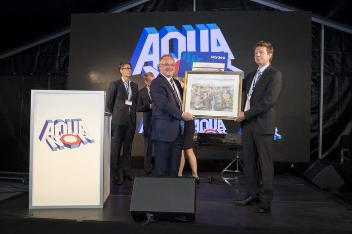 Nathan Pyne-Carter of Ace Aquatech collects the 2017 Innovation Award