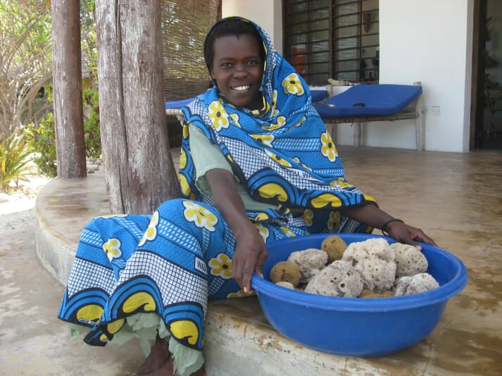 Sponge farming provides valuable economic opportunities and many of the farmers trained by Marine Cultures are single women, with children to support