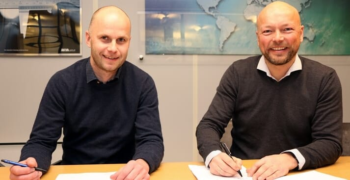 Stein Ove Tveiten, CEO of Arctic Fish Farm (left) with AKVA group's regional director for Southern Norway and Nordic countries, Stig Martin Bø.