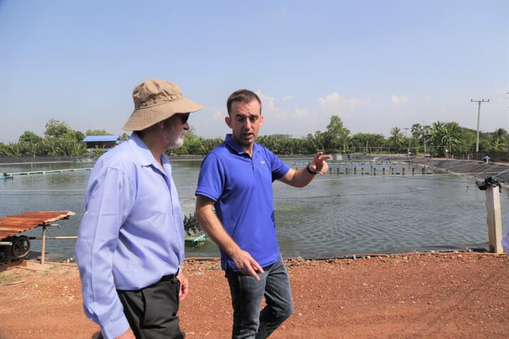 David visiting a farm in Thailand with Txomin Azpeitia, one INVE's new generation of experts