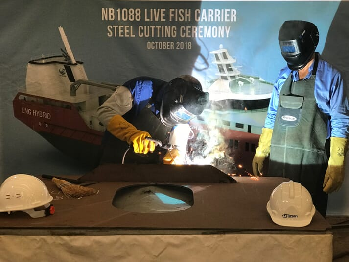 Captain Per Tore Paulsen and machine chief Svein Arild Jakobsen welded the first hull parts to the first of two new live fish carriers