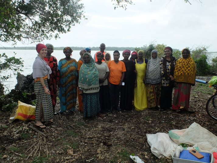 Dr Brugere with the female seaweed farmers of Zanzibar (Sea PoWer project)