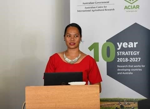Naua sharing her story at an ACIAR event in Canberra