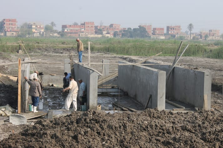 Construction of the In-pond raceway system at Abbassa Research Center, Abu-Hammad, Sharkia, Egypt